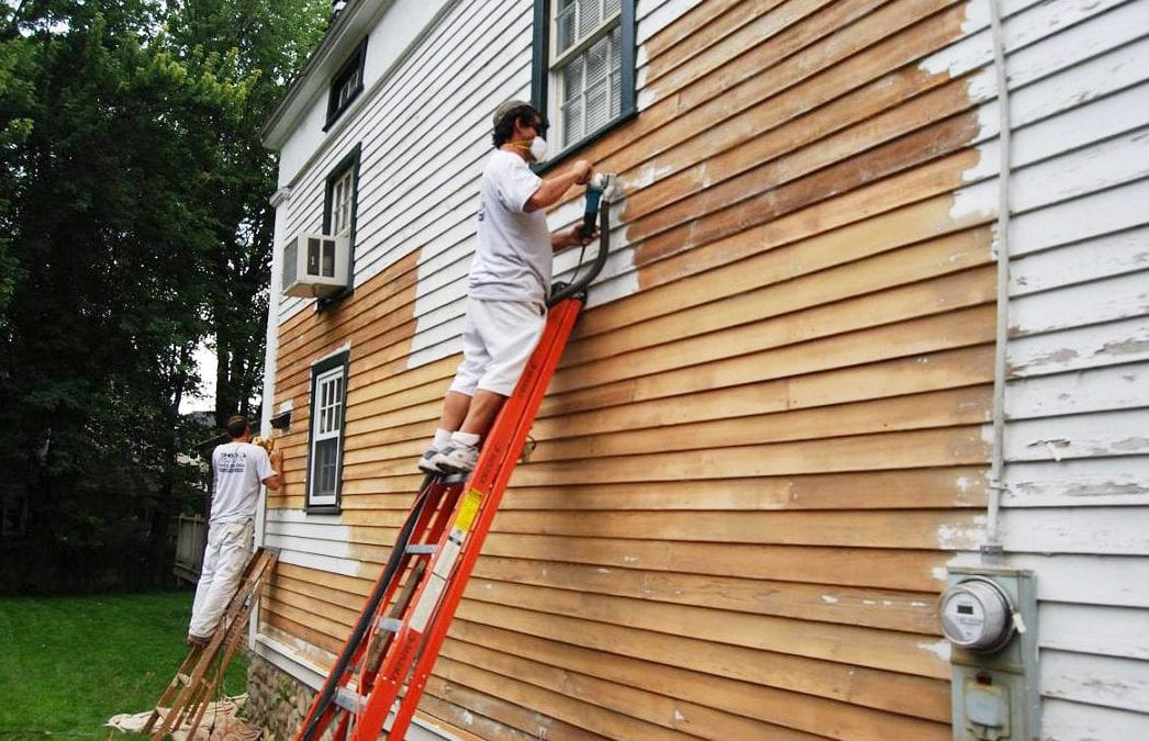 Working With Exterior House Painters: Ask These Questions